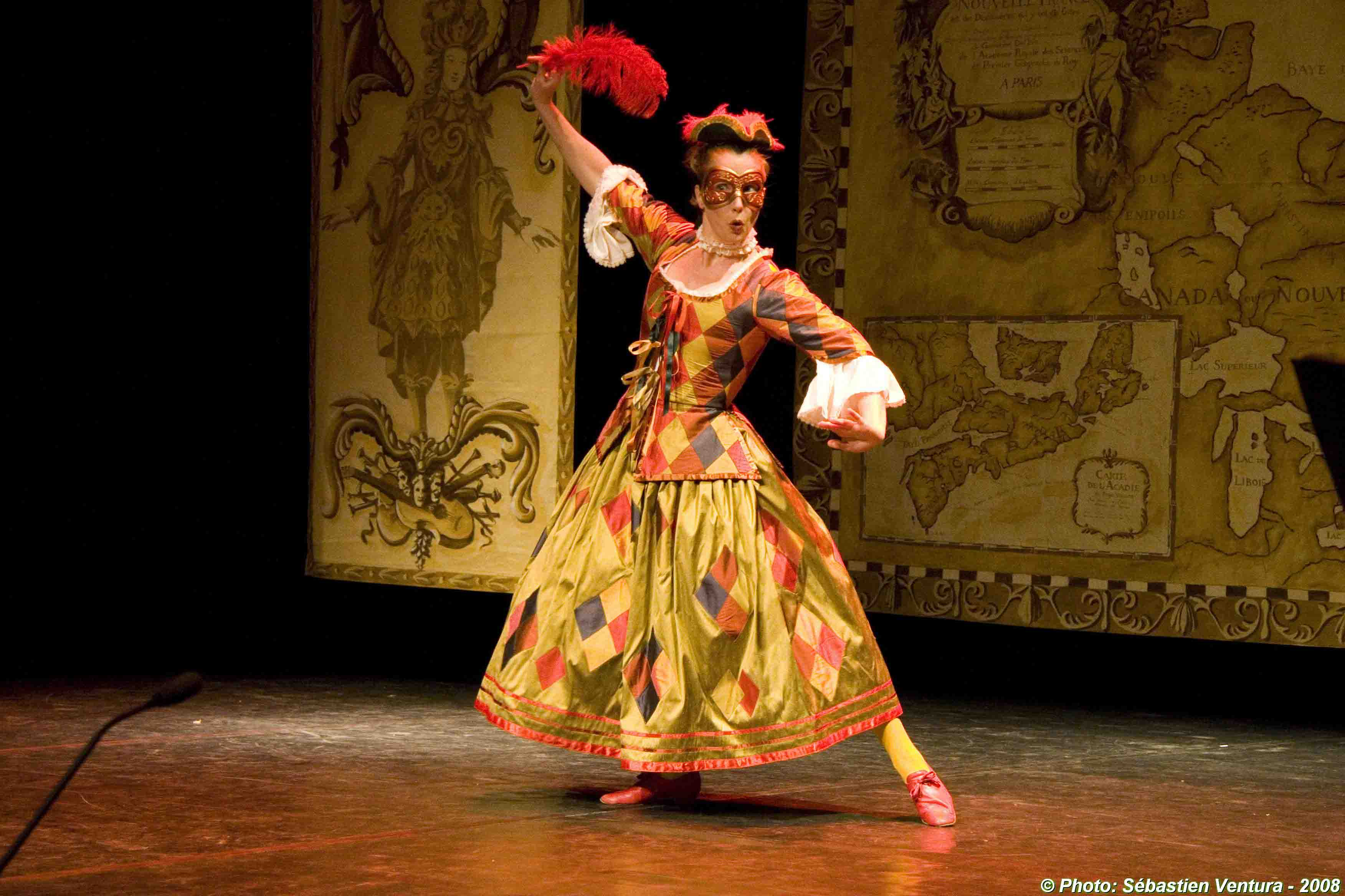 Marie-Nathalie Lacoursière as a 'Arlequine'. Photo © Sébastien Ventura
