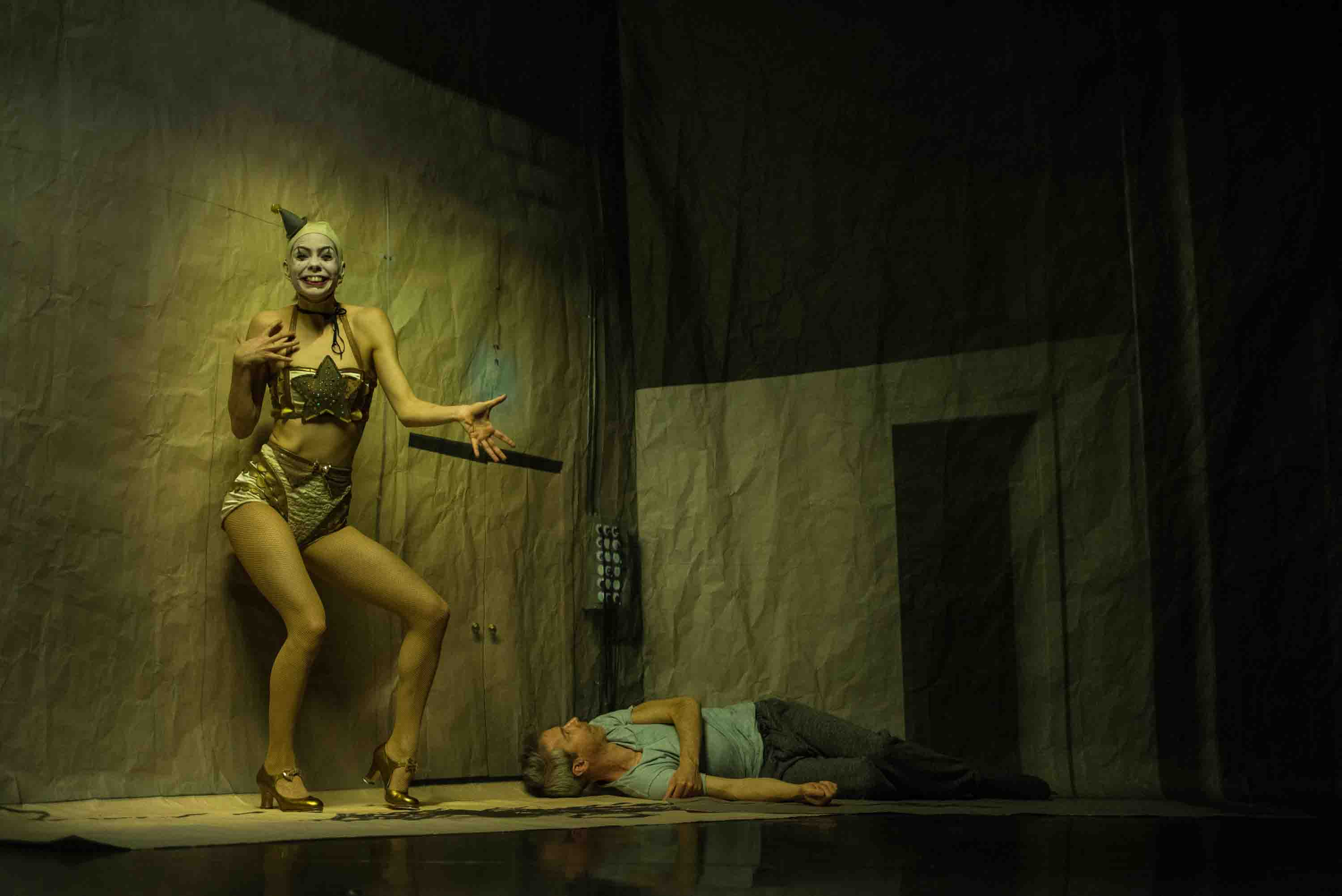 Tiffany Tregarthen and Jonathan Young in Betroffenheit. ©Wendy D Photography.