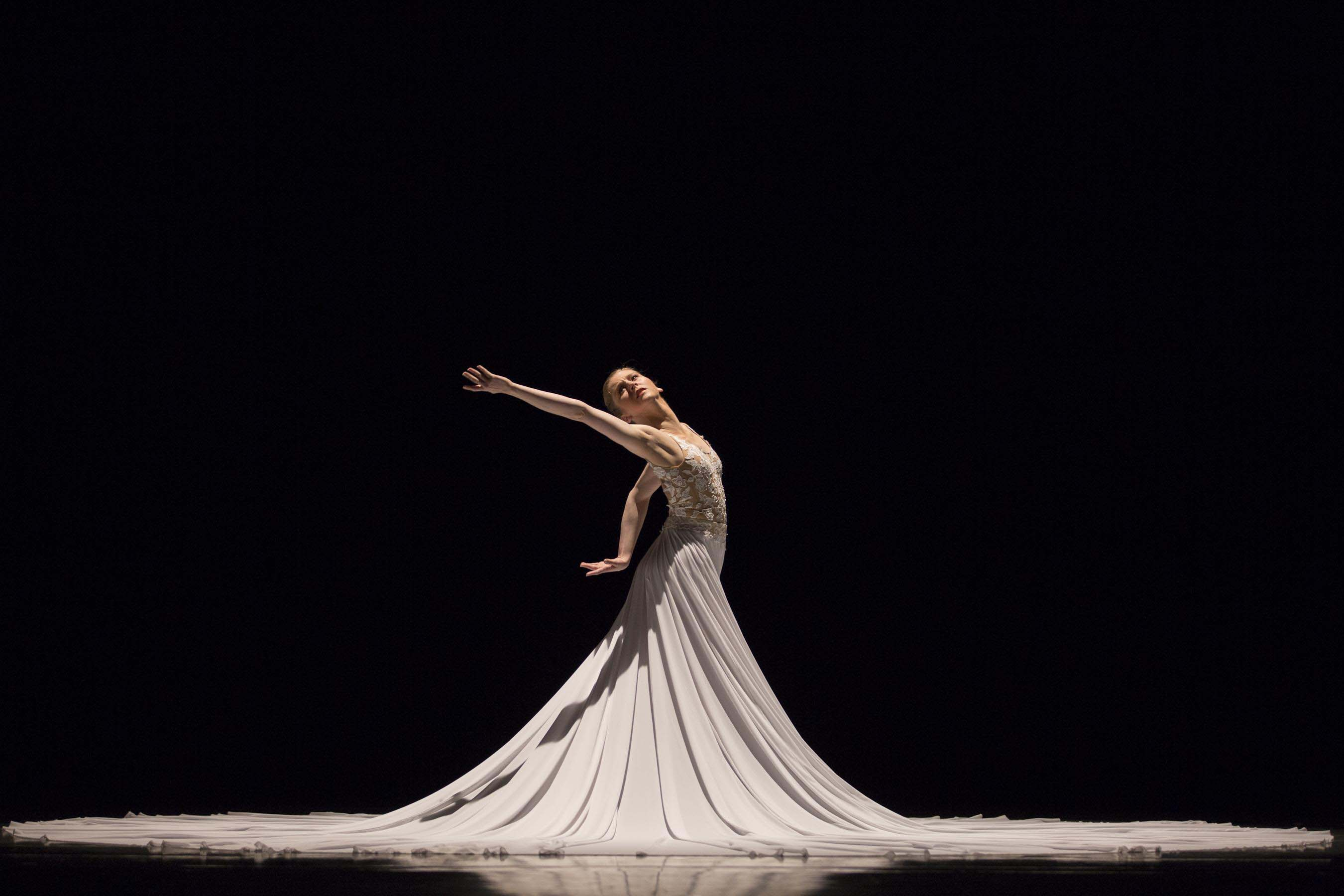 Carla Körbes in The Calling. Photo © Angela Sterling